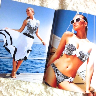isla_donna_bikini_jupe